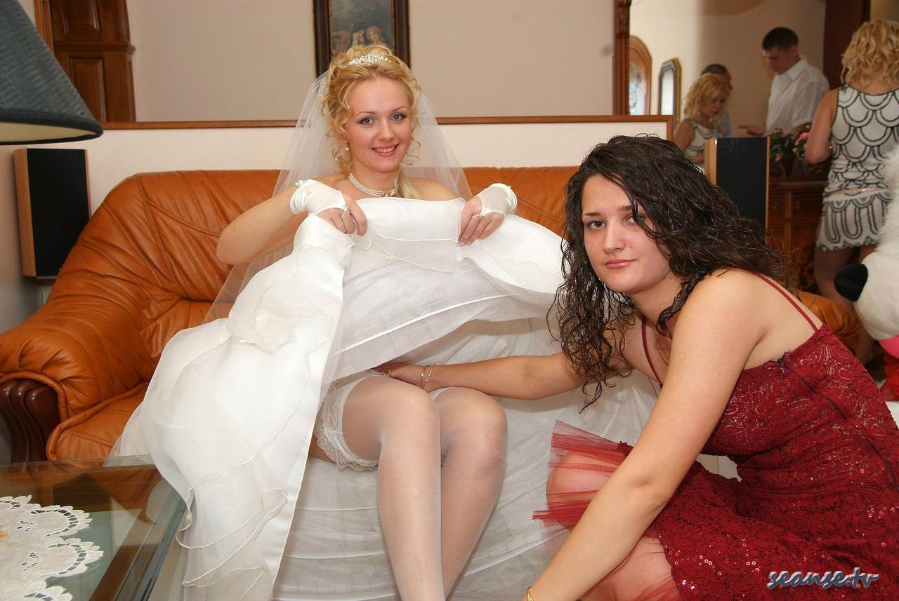 Wedding accidental nudity